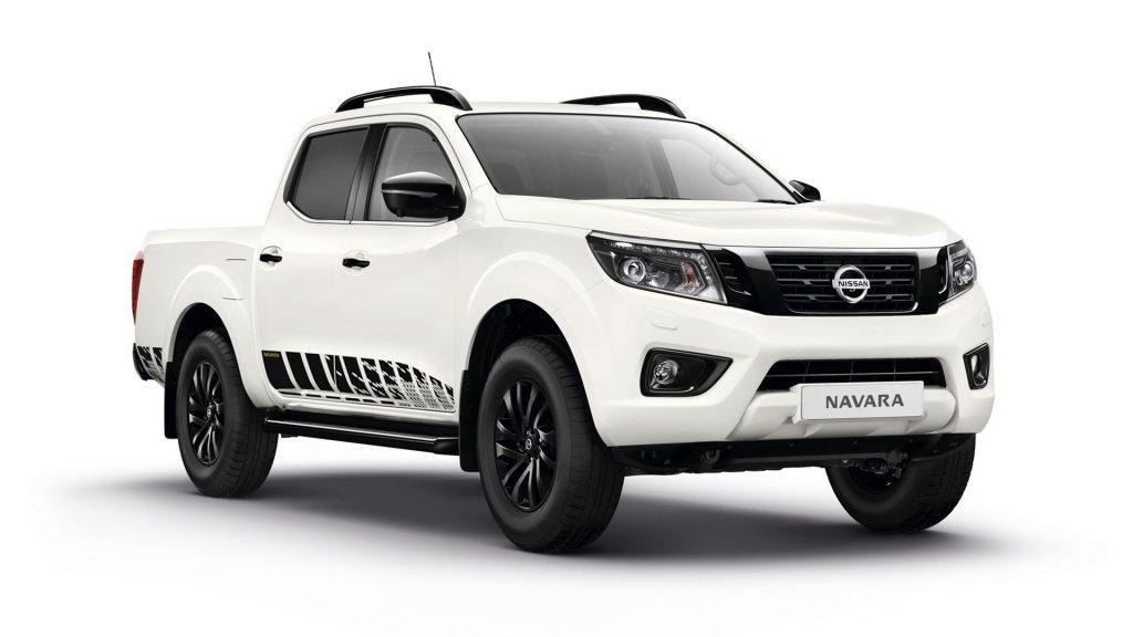 2018 Nissan Navara N-Guard white