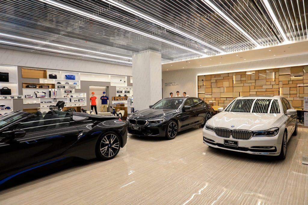 BMW-MINI-BMW Motorrad Urban Stores by Millennium Auto (4)
